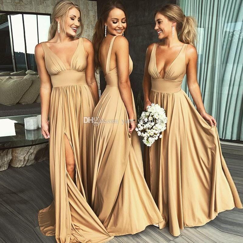 2019 Seksi Uzun Altın Gelinlik Modelleri Derin V Boyun İmparatorluğu Bölünmüş Yan Kat Uzunluk Şampanya Plaj Boho Düğün Konuk Elbiseler