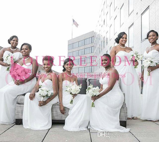 2019 Plus Size Bianco Sweetheart Collo Damigella d'onore Abiti da damigella d'onore Una linea Chiffon in rilievo con Vita Abiti da Abiti Formali Maid of Honor WeeDing Guest Gown