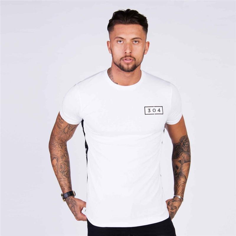 Mens-Sommer-Fitness-Studios Fitness T-Shirt Crossfit Bodybuilding dünne Hemden gedruckt O-Ansatz mit kurzen Ärmeln Baumwolle T-Tops Kleidung