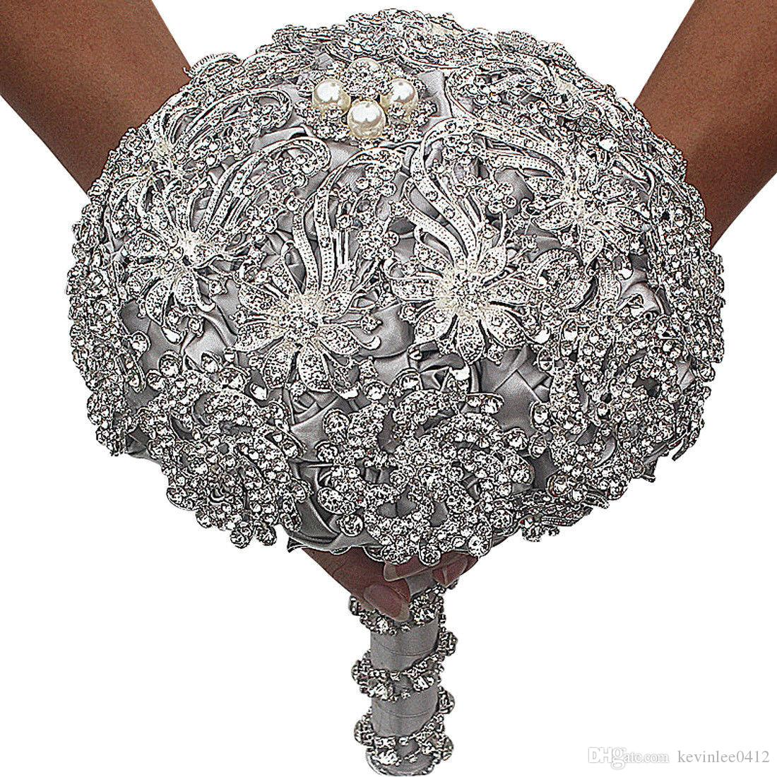 Cristal de luxe perles mariée mariage fleur bouquet bouquet broche brise main fleurs brouillard faveurs main tenant la décoration à la main