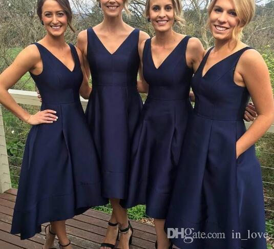 Granatowy Niebieski Krótki Tanie Druhna Dresses V Neck Krótki Przód Długo Powrót Linia Formalna Prom Party Suknie Wieczorowe Custom Size