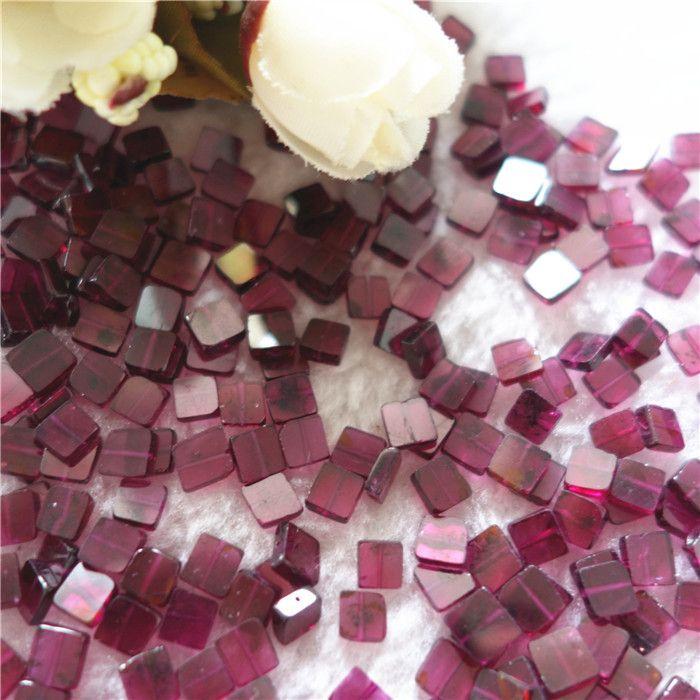 30pcs A Lot 100% Grenat semi-précieux rouge pierre naturelle forme carrée 5 * 5 mm avec Trou traversant en gros Perles pour les bijoux Diy Making