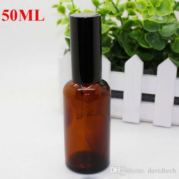 Hot 50 ml Braunglas Sprühflaschen Großhandel Ätherische Öl Glasflasche mit schwarzem Pump-Zerstäuber Gold Cap für Kosmetik, Parfüm, Make Up