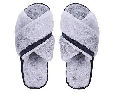 yeezy pantofole giganti