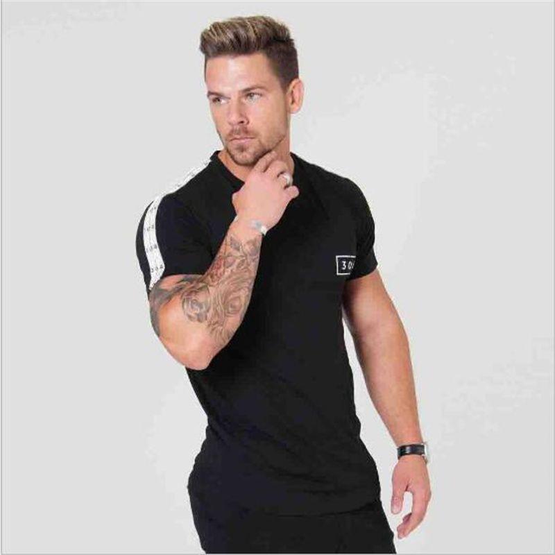 Yeni Moda Yüksek elastikiyet Spor T-shirt Erkekler Kısa Kollu Kas Spor brothersT gömlek erkek Spor Salonları Vücut Geliştirme Tees
