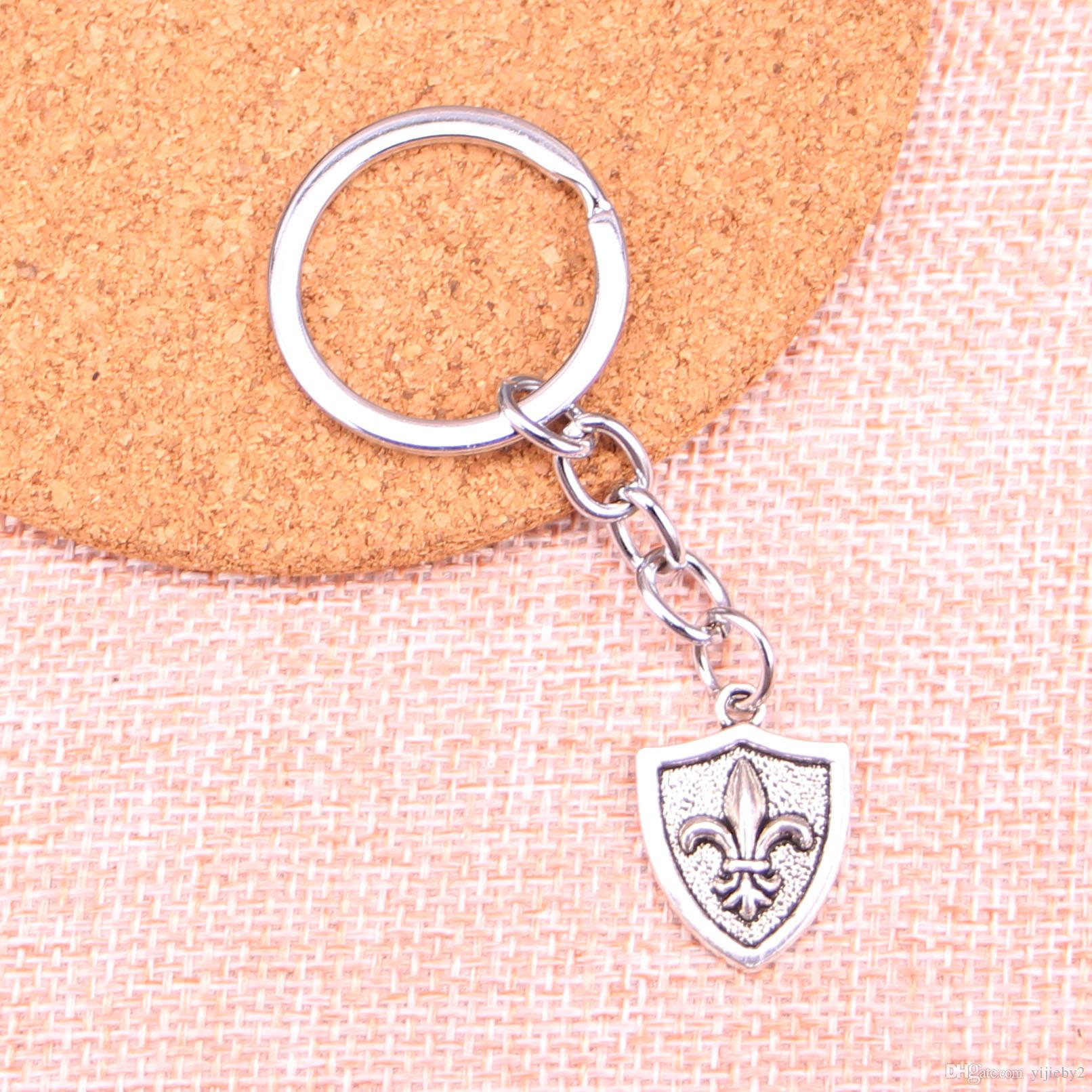 Fashion Car Keychain Silver Color Metal Key Chains Accessory Vintage FLEUR DE LIS Key Rings