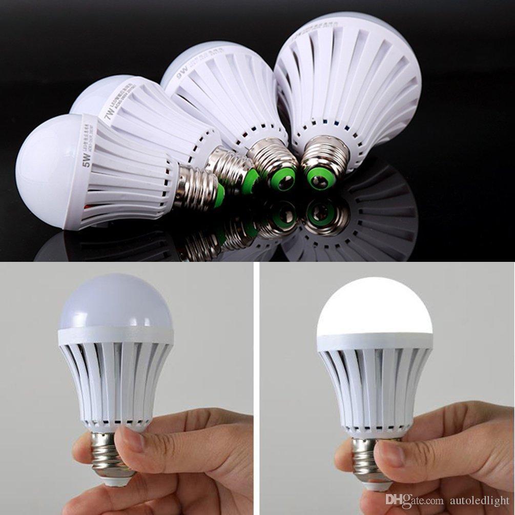 LED المصابيح استخدام الضوء E27 B22 الذكية الطوارئ لمبة عادية بداية السيطرة 5W 7W 9W 12W التلقائي عند انقطاع التيار الكهربائي 3hours العمل