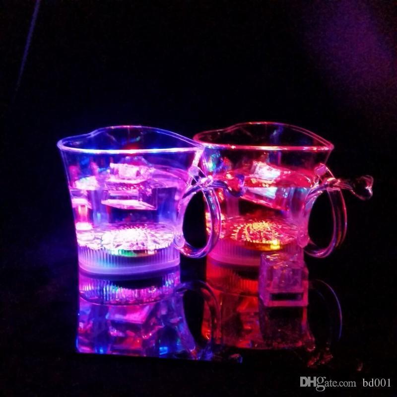 Clear LED Light Up Cup Love Copa de vino en forma de corazón que brilla en la oscuridad Taza de inducción de agua Fashion 5 5jc BB