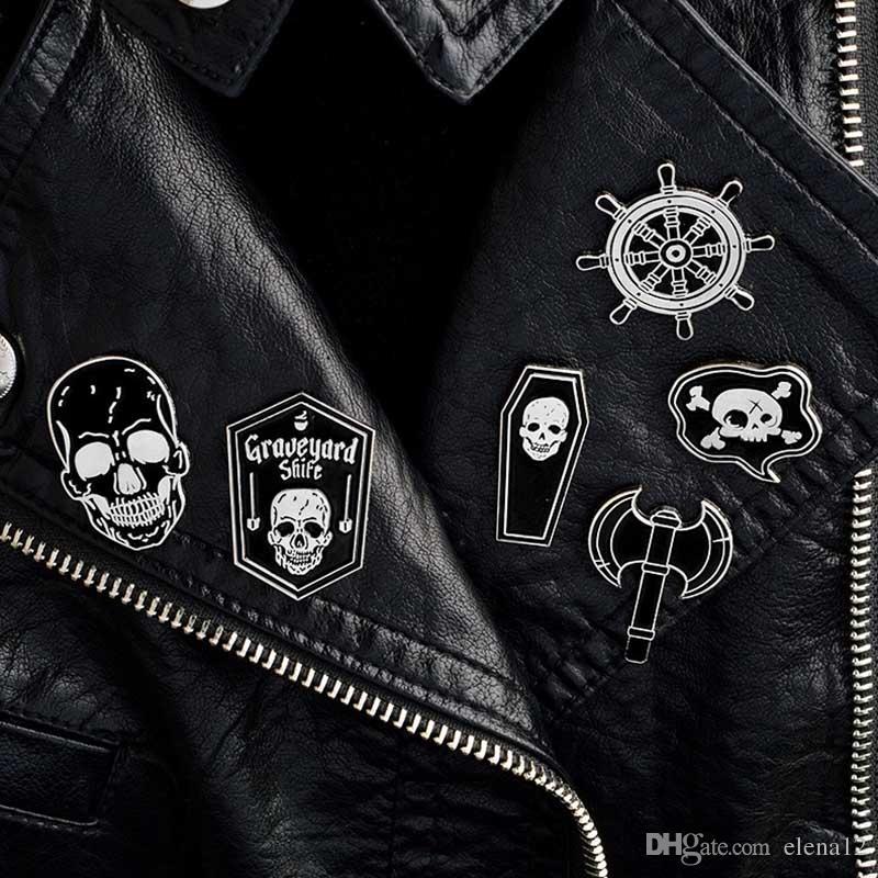 Pirate Pins squelette crâne Rudder cercueil Veste en jean Chemise Brooches Collier épinglette Boucle Badge bijoux Punk