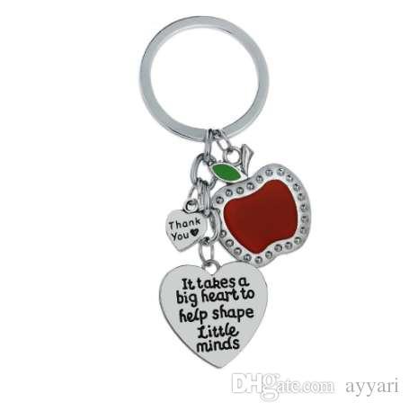 12 Adet / grup Şükran Anahtarlık Alır Bir Büyük Kalp Kırmızı Elma Anahtarlık Araba Çanta Cep Telefonu Keyfob Öğretmenler Okul Hatıra Hediyeler