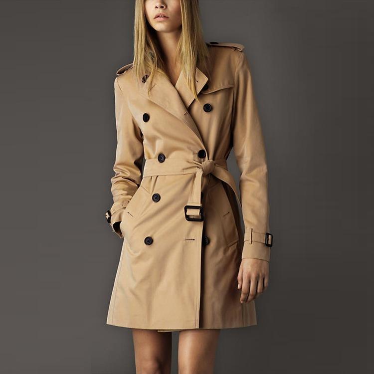 شتاء جديد أزياء كلاسيكية خندق معطف الأوروبي الكاكي / أسود مزدوج اعتلى المرأة البازلاء معطف جودة عالية