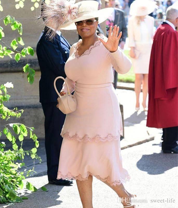 Plus Size 2019 Breve madre del vestito da sposa con scollo a V maniche lunghe usura del partito di lunghezza del tè economici abiti da sposa formali ospiti abito da sera