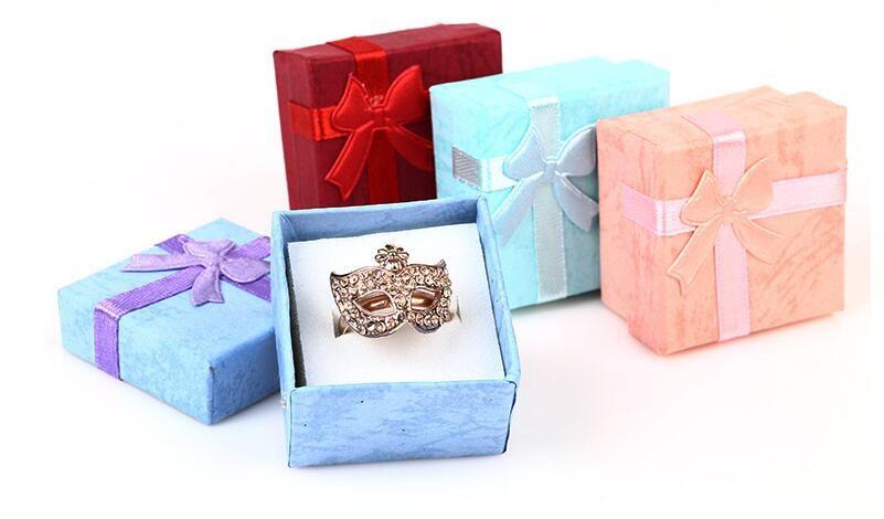 4 Farklı Renk Mücevher Kutusu Çoğunlukla Küpe Yüzük Mücevherat Ambalaj Ve Ekran Için 4x4x2.5 CM Büyük kalite