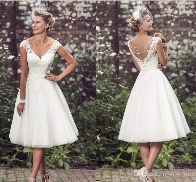 Elegante longitud de té Vestidos de novia cortos Gorro Mangas Apliques Vestidos de novia de encaje Tulle Cuello en V Vestidos de novia cortos Baratos