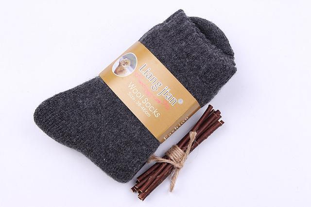الجوارب الشتوية السميكة للرجال في كندا 30 درجة تحت الصفر تقاوم الجوارب من الصوف البارد للرجال
