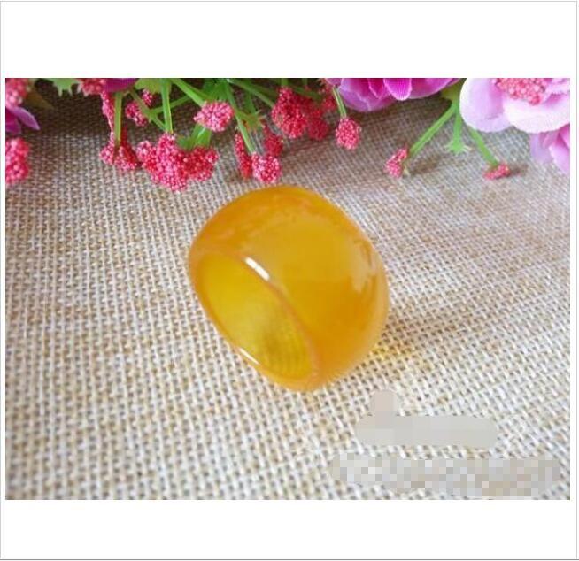 Al por mayor - Natural auténtico ágata amarilla anillo de jade men039; s topacio anillo de dedo del peén anillo de dedo calcedonia envío gratis