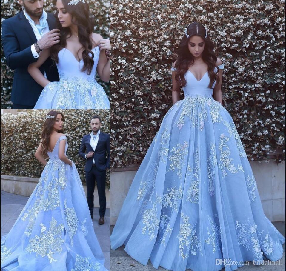 Weiße Spitze applizierte afrikanische Abschlussballkleider Schulterfreie arabische formale Abendkleider Dubais hellblaues Partykleid Berühmtheit Vestidos de Fiesta