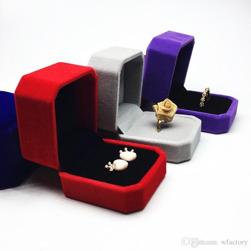 4.5 * 4.5 * 5CM Bague De Mode Boîtes D'emballage Forme Carrée Velours Boîte à Bijoux 9 Couleurs Widget Boîte Collier Boucles D'oreilles Boîte