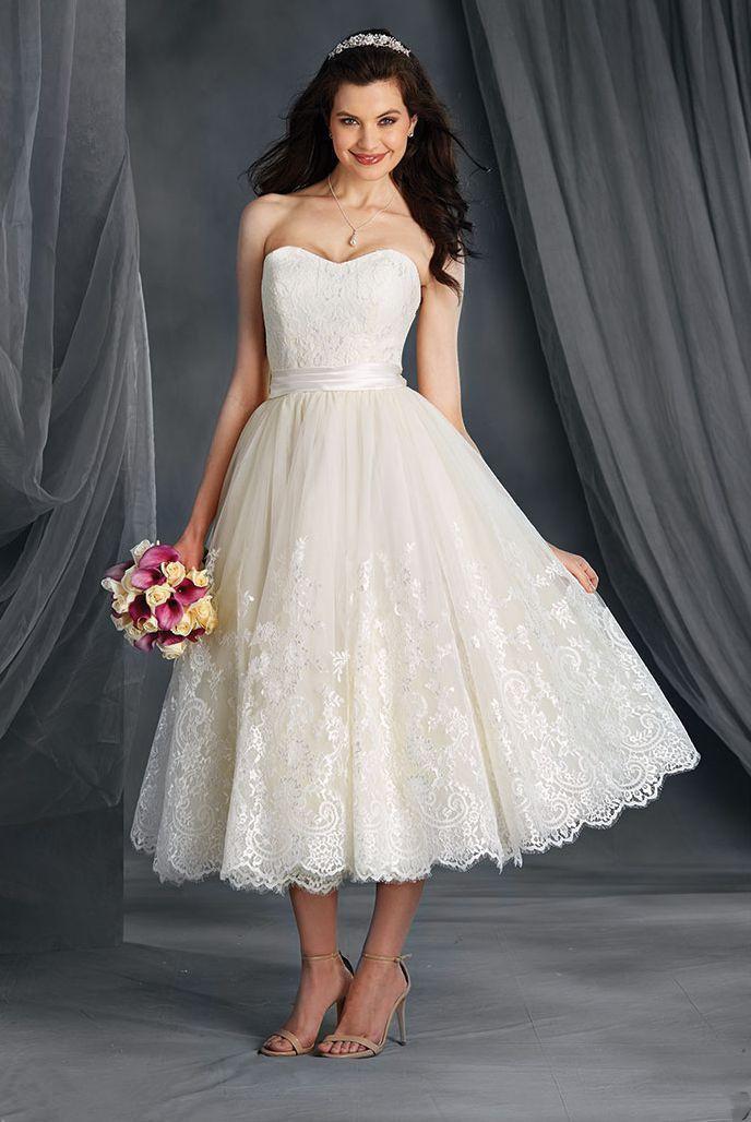US2-28W++ A Line Short Bridal Dress Strapless Lace Wedding Gowns Latest Design Sash Vintage Tea Length Custom Made Open Back Appliques