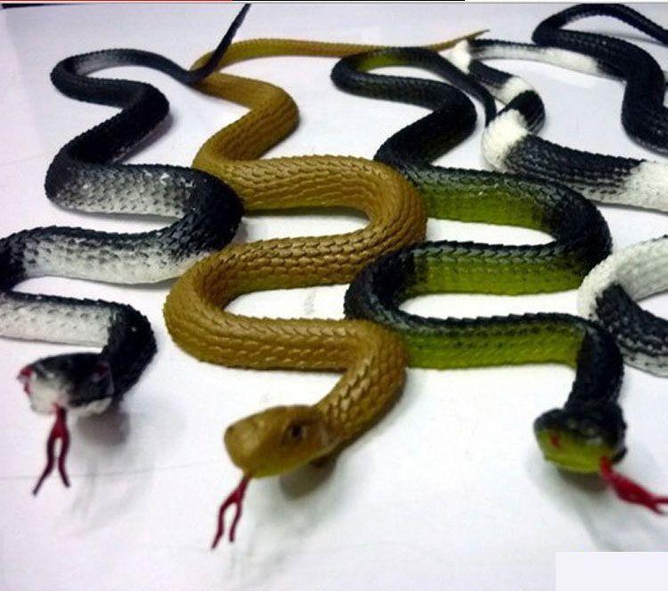50pcs / lot Sahte, yumuşak plastik, plastik, korkutucu, akıllı, aptal, oyuncak, yılan.