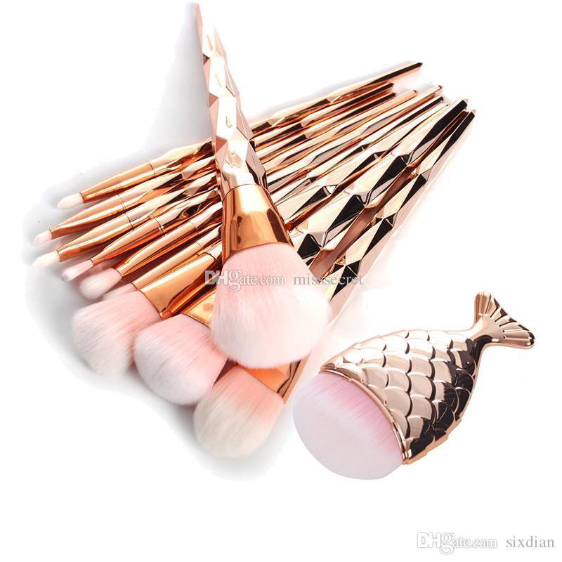 11 teile / satz Meerjungfrau Fischschwanz Make-Up Pinsel Diamant Rose Gold Make-Up Pinsel Set Foundation Powder Kosmetik Pinsel Regenbogen Lidschatten Pinsel