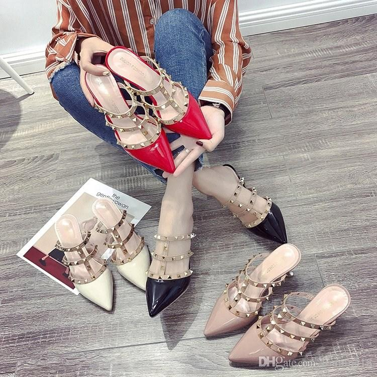 2018 yeni Kore perçinler Roma sandalet ince sivri küçük temiz yüksek topuklu ayakkabılar