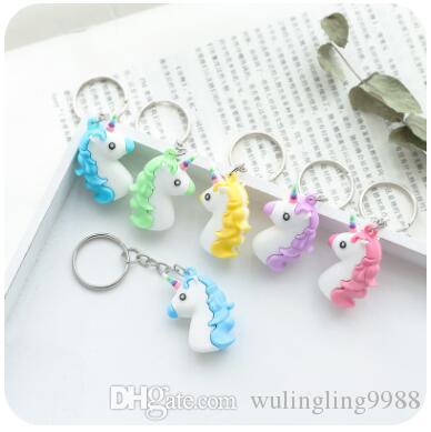 3D Unicorn Anahtarlık Yumuşak PVC At Pony Unicorn Anahtarlık Zincirler Çanta Asılı Moda Aksesuarları Oyuncak Hediye