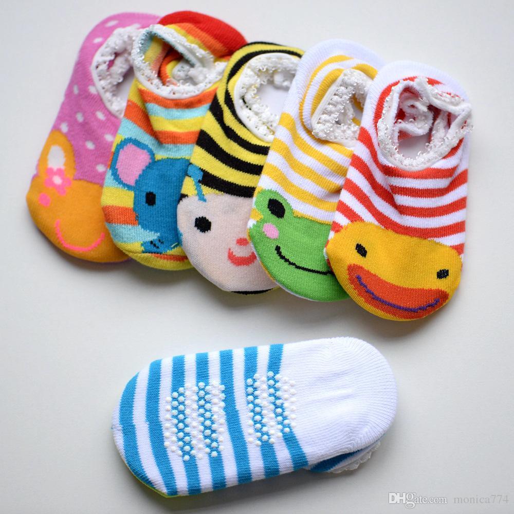 Drop Shipping! Einzelverkauf 5Pairs Unisex Baby-nette rutschfeste Babysocken Säuglingsbaumwollfußbodensocken Junge Mädchen Cartoon Boot skidproof Socken 9-15cm