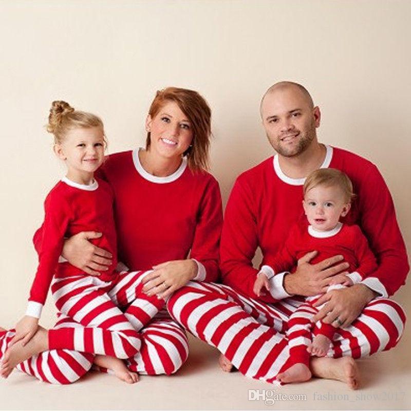 Assortiment de vêtements de famille Ensemble femme adulte Enfants Vêtements de nuit Vêtements de nuit Assortiment de pyjamas de Noël