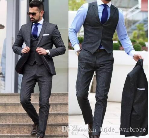 2017-2018 Günstige Mann-Klage-Bräutigam-Smoking Groomsmen Formal Anzüge Business Men Wear (Jacket + Pants + Vest) Drei Stücke Hochzeit Bestman Wear
