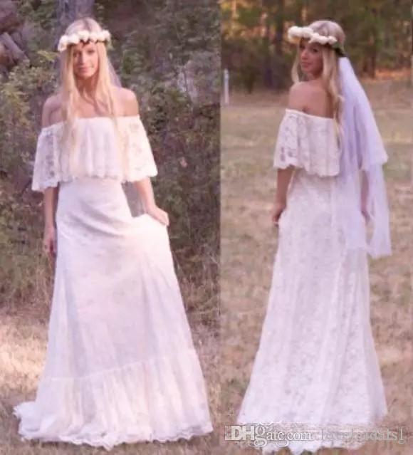 2019 Robes de mariée bohémiennes en dentelle avec décolleté à l'épaule Une ligne de balayage train Ivoire dentelle robes de mariée sur mesure