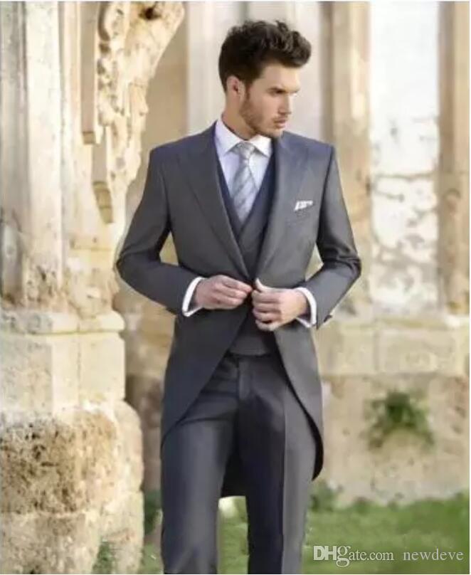 Tuxedos De Mariage Classique Tailcoat Slim Fit Costumes Pour Les Meilleurs Hommes Veste Gilet Et Pantalon Marié Hommes Costume Trois Pièces Prom Costumes Formels