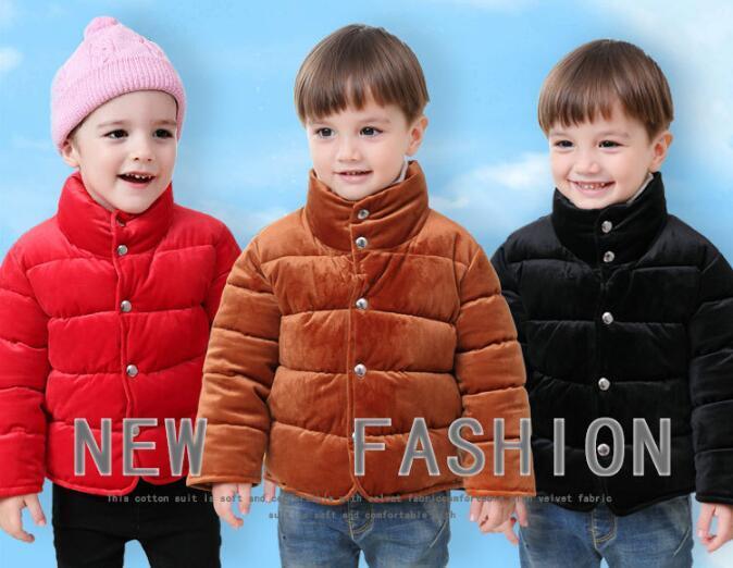Nueva moda 2018 nuevos niños chaqueta de terciopelo dorado niños y niñas otoño e invierno abajo chaqueta de algodón collar de bebé chaqueta envío gratis