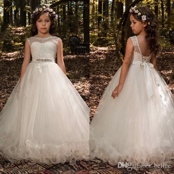 Barato Lace Ball Gown Vestidos Da Menina de Flor Puffy Princesa Júnior Crianças Vestidos De Casamento Da Luva Da Capela Vestidos Pageant Criança com Arco