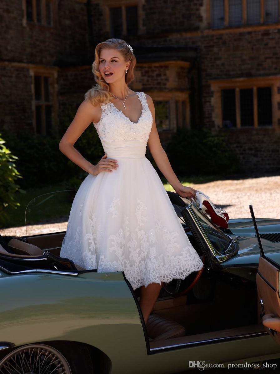2020 Vintage Design Tea Length Short Wedding Dresses V-Neck Straps Beaded White Lace A-Line Hot Sale Cheap Bridal Gowns Custom Made