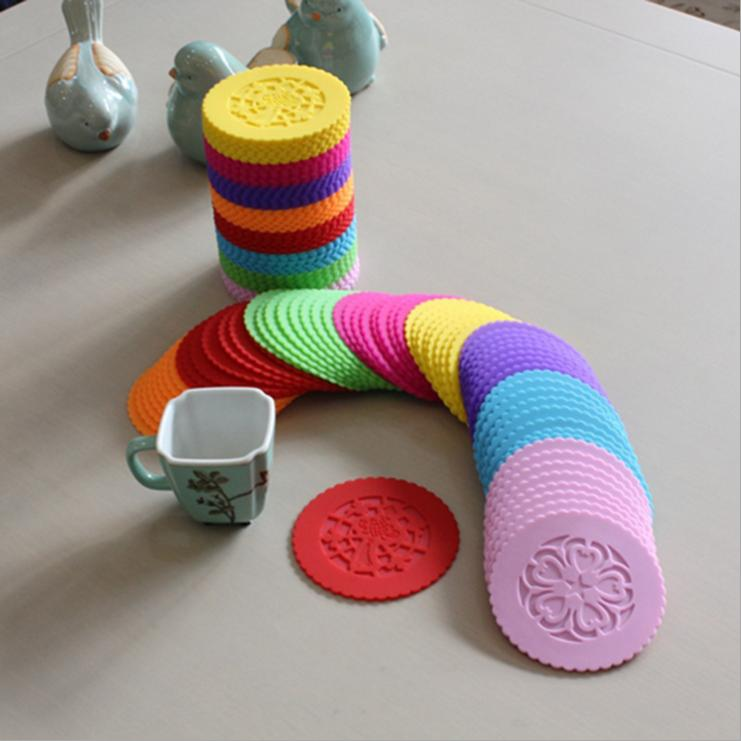 2 Piece Lytwtw's silicone dining table placemat kitchen accessories mat cup bar mug hollow out Chinese knot drink pads