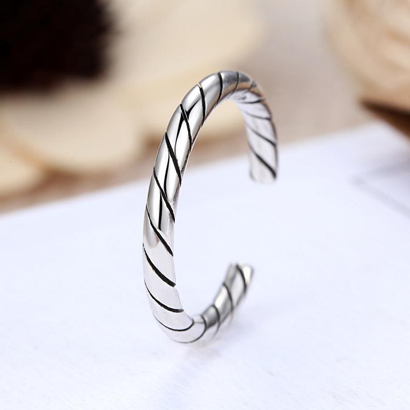 Heißer Verkauf Einfache Neue Design Weiblichen Ring Nette Dünne Zeigefinger Schwanz Silber Farbe Ring Für Frauen R069