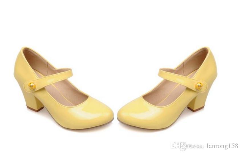 Geben Sie heiße neue vier Jahreszeiten einzelne Schuhe und grobe Absatzhochhackige Frauenschuhe frei