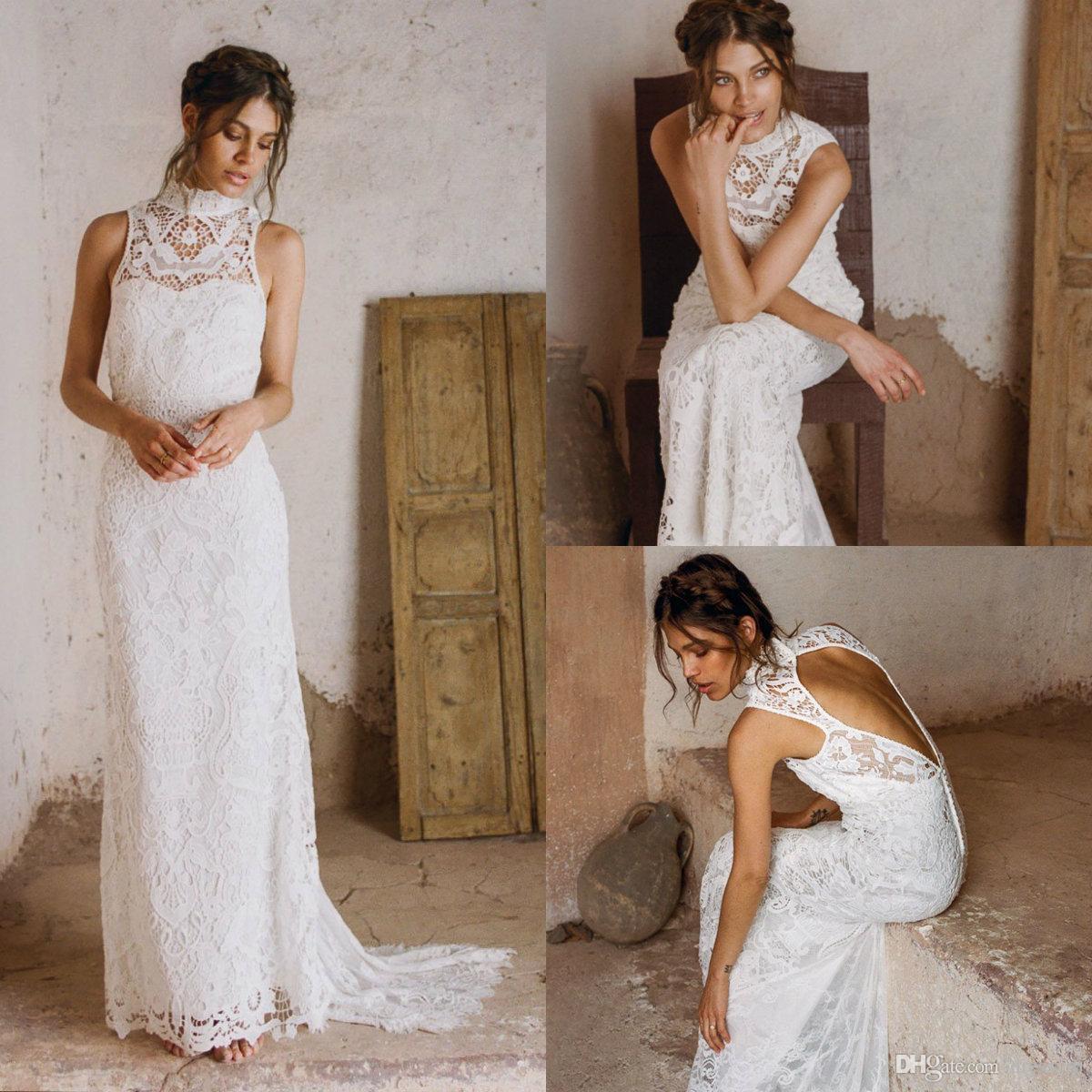 2019 Land-Hochzeits-Kleider High Neck hohlen Rücken Sweep Zug ärmelloses reizvolles Nixe-Hochzeits-Kleid-Garten-Strand-Brautkleider