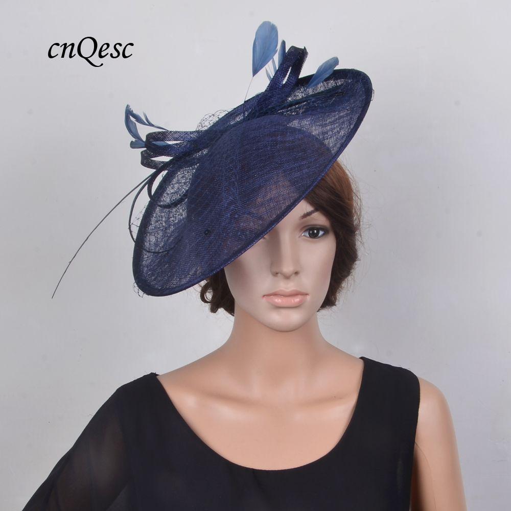 NAVY AZUL GRANDE Sinamay Fascinator hatinator sombrero / platillo fascinator con la pluma y de velo para las carreras, partido y la boda