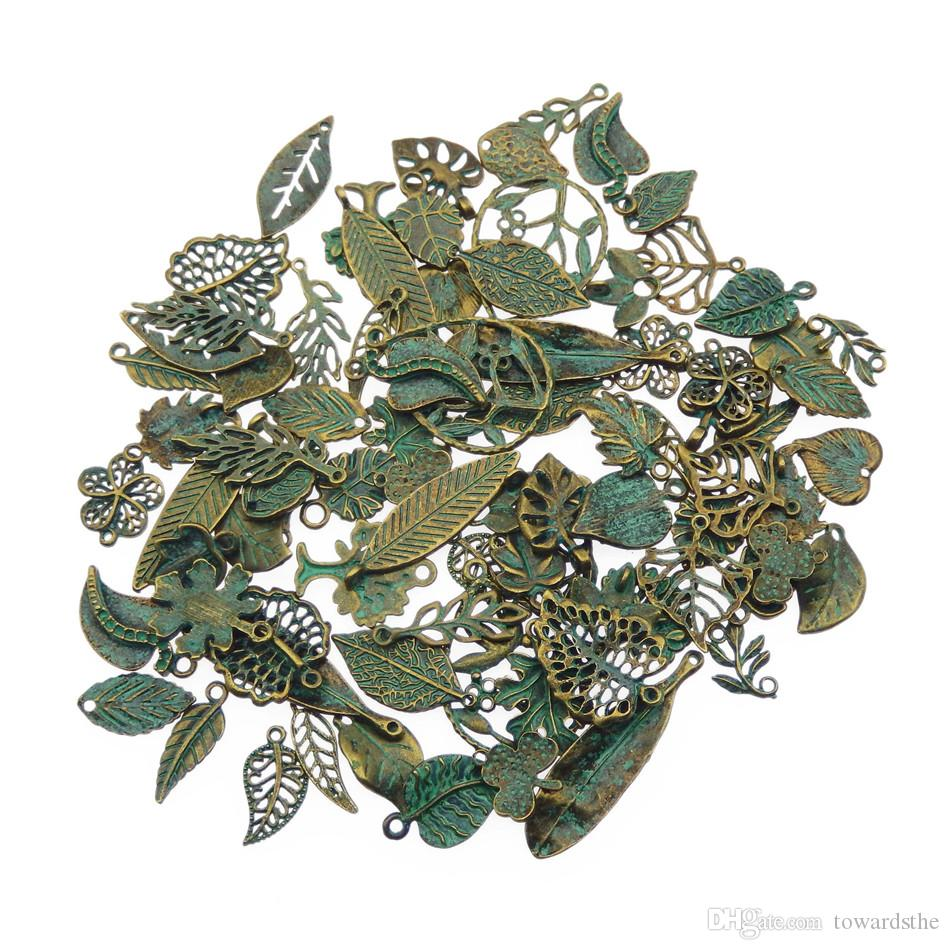 Comercio al por mayor Verdigris Patina chapado Vintage Color encantos Colgantes de hoja mezclada al azar para FashionJewelry que hace collares de collarDIY