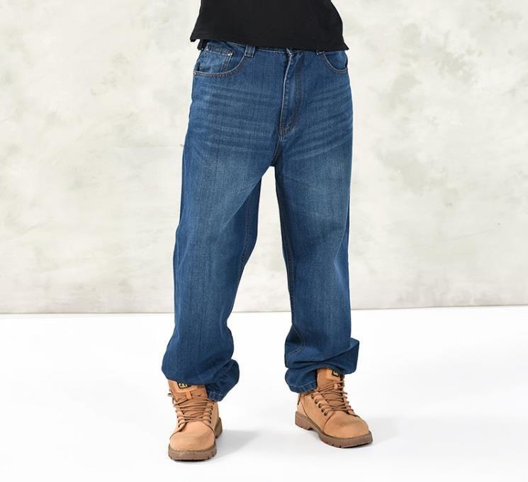 Jeans larghi dell'anca di modo degli uomini più il formato 30-46 multi tasche dei jeans del carico di skateboard per gli uomini Pantaloni di jeans tattici dei pantaloni di stagioni degli uomini