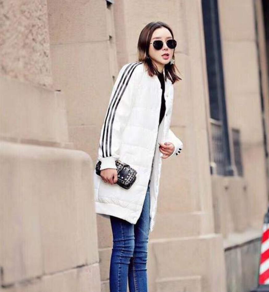 Moda lüks kadın Aşağı Parkas Şerit Yan Ceket İnce Beyaz Siyah kış ceket kadın Uzun Sıcak Palto için
