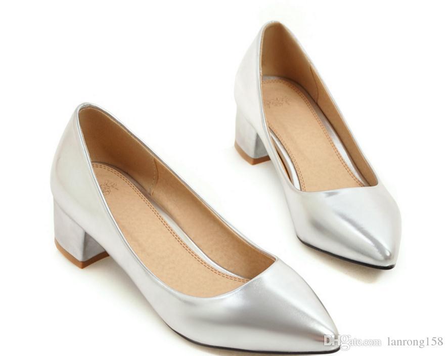 Бесплатно отправить горячие 2017 новый стиль средний каблук Женская обувь одного супер размер 40-47 мода указал конец грубый каблук 31 33