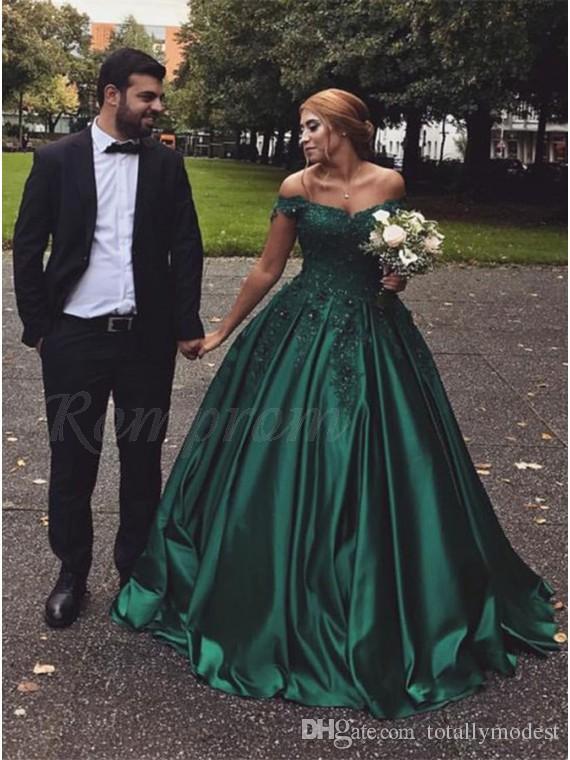 Famosas en vestidos verdes