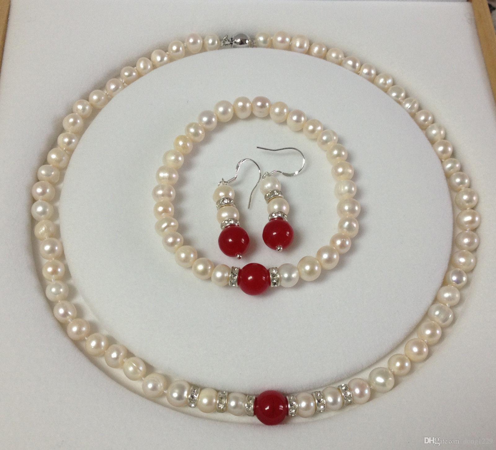 Orecchini in oro 729mm Real White Akoya con perla coltivata / bracciali in giada rossa