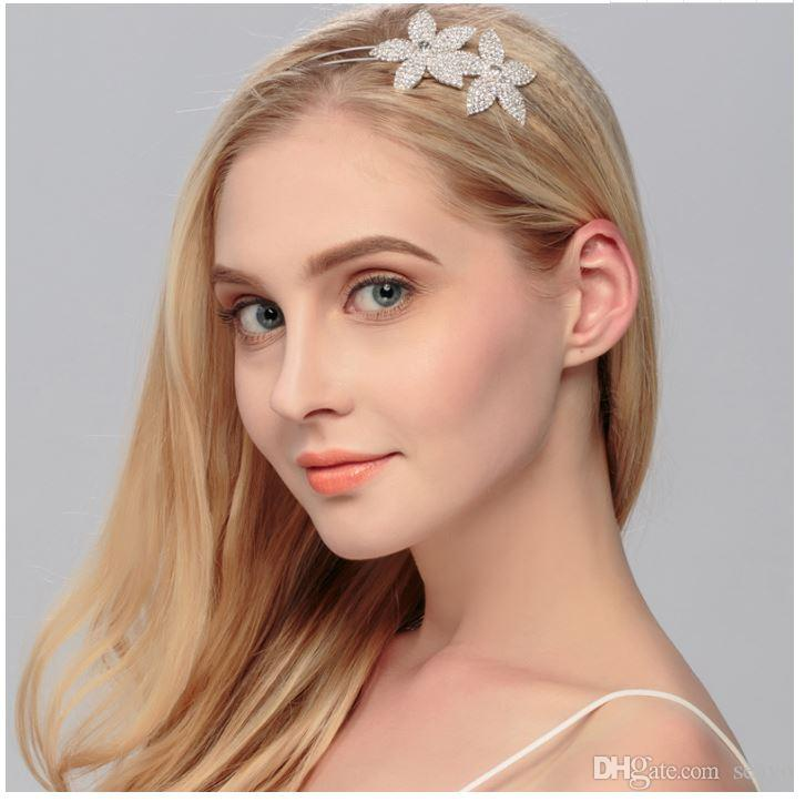 Fashion wedding accessories for European and American brides, wedding accessories hoop, flower diamond headwear, factory direct sale.