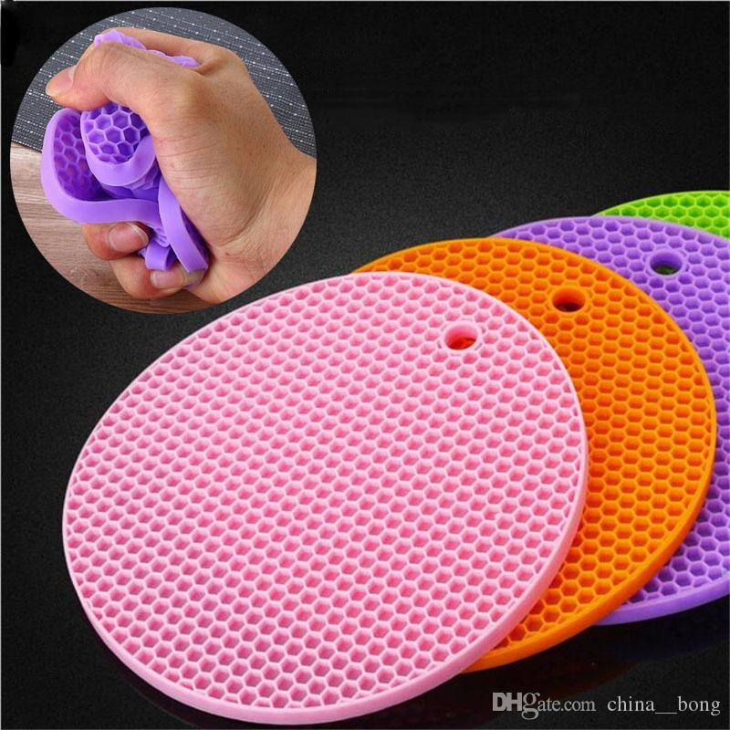 Tappetini per cucina resistenti al calore e antiscivolo Tappetini per tappetini in silicone antiscivolo FDA / LFGB per alimenti in silicone Tappetini per sottopiedi in silicone