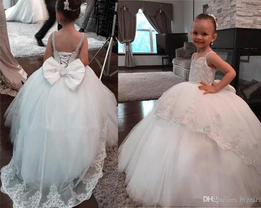 Puffy Elfenbein Ballkleid Blumenmädchen Kleid mit großen Rücken Fliege