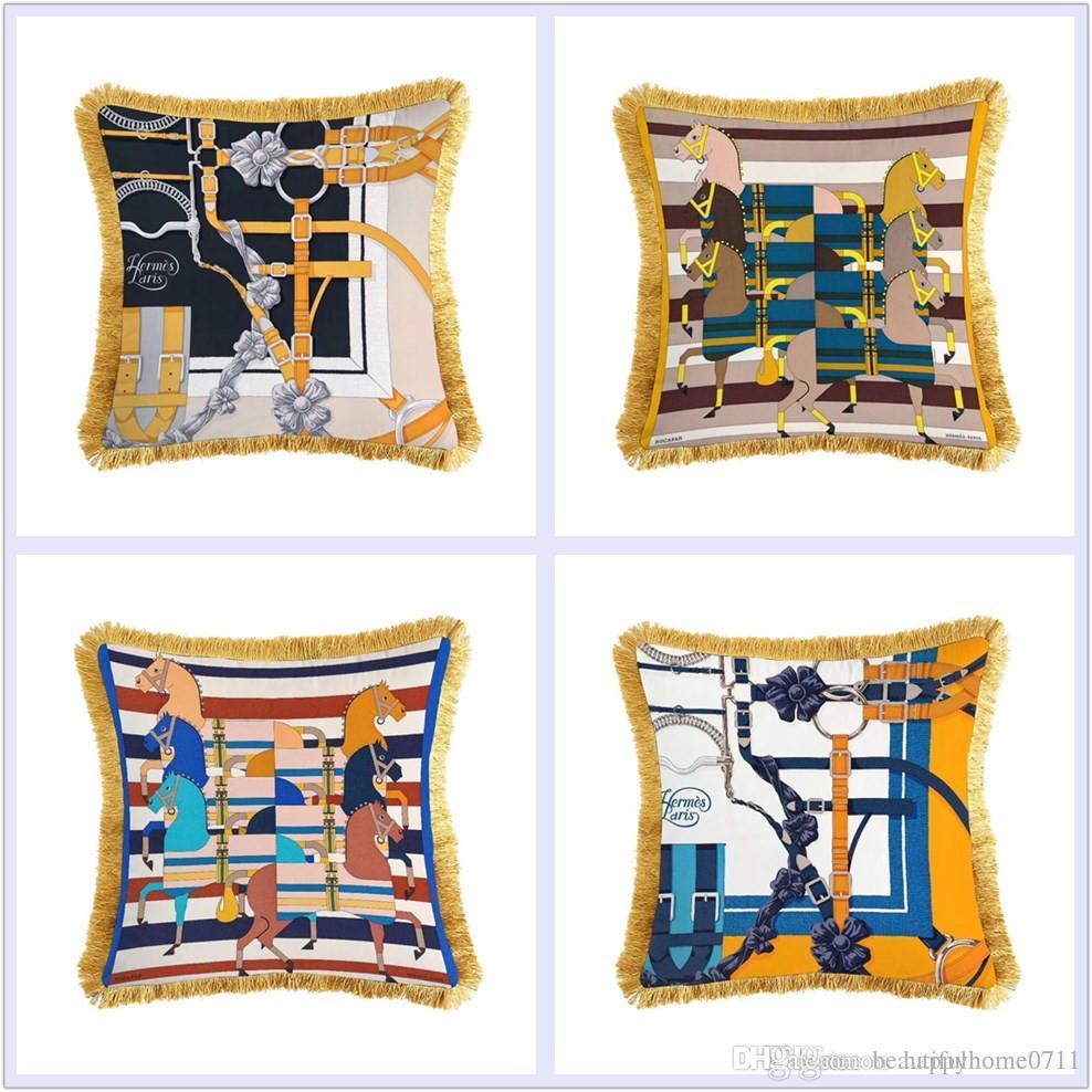 Cuscini Hermes.Luxury Chain And Lock Pattern Signage V Tassel Velvet Material